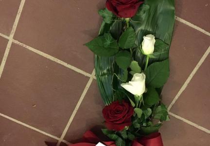 Liten bukett 4 rosor